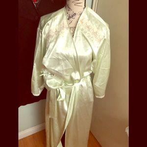 Oscar dela Renta robe